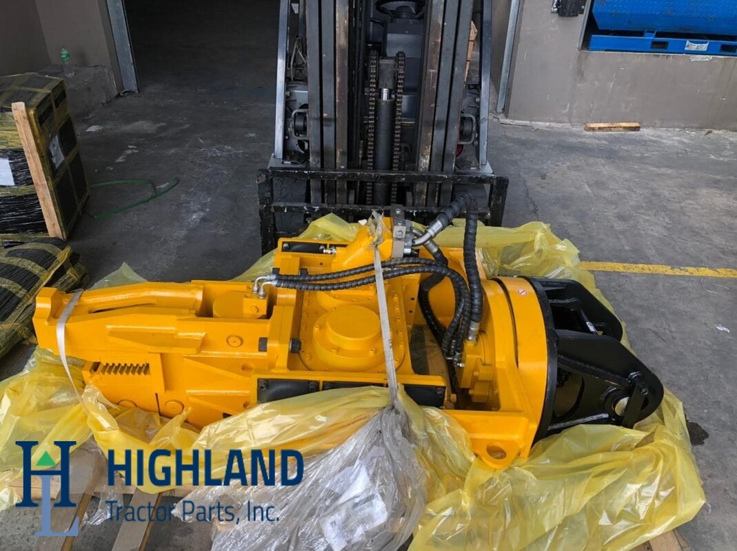 Vibro hammer for excavators and backhoes. Vibro hammer attachments for Komatsu, Caterpillar, Volvo, Hyundai, Doosan, Hitachi, Kobelco. Good quality hydraulic attachments for PC200, EC210B, R220LC-9S, EX200, DX200, SK210, 320D.